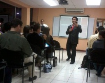 Charla del Estado de la Economía de Costa Rica, con el Sub-Director de la Escuela de Economía de la UNA.